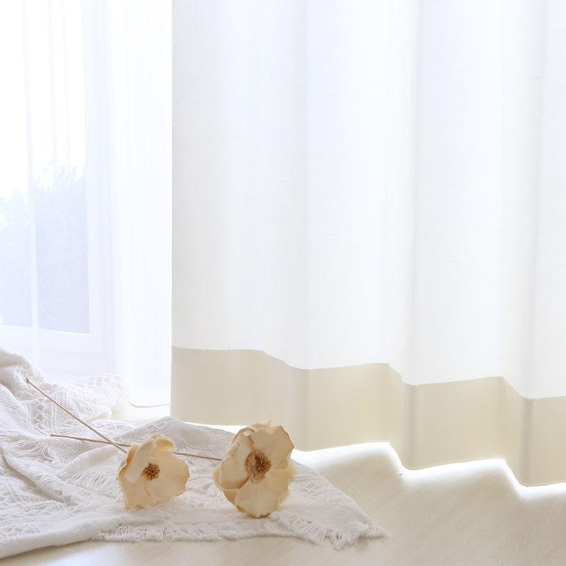 太細のあるヨコ糸を使い素材感を出した軽やかなカーテン~ソワレ~ホワイト