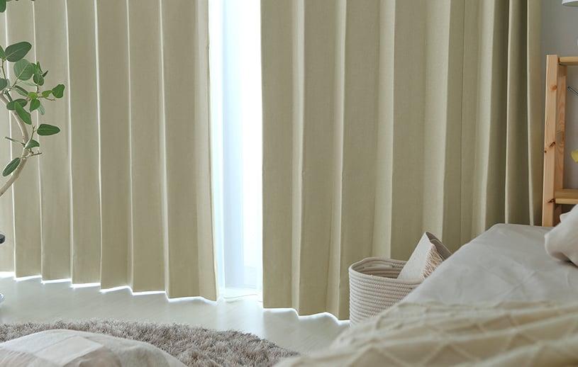 腰高窓ドレープカーテン