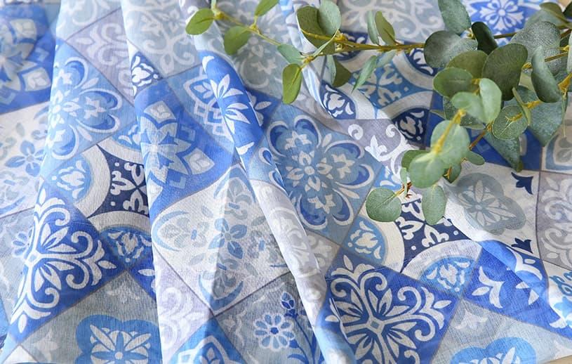 当店オリジナル!正方形のタイルがパッチワークのように並んだ異国情緒あるデザインのトレンドカラーレースカーテン ~チュニス~ ブルー