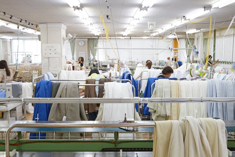 カーテンの縫製工場に潜入!【前編】</br>オーダーカーテンを翌日に出荷できるその秘訣とは?