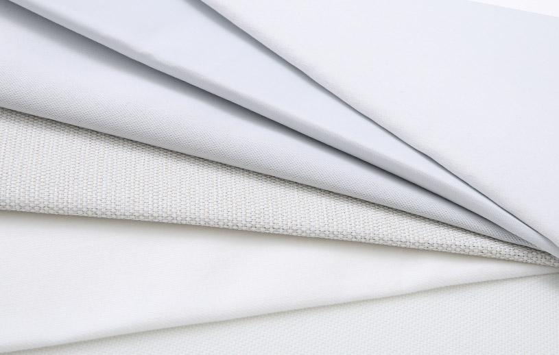 白い遮光1級カーテンが…白い!すごくホワイト!